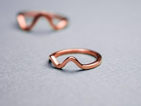 Wave Top Finger Ring in 18k Gold Plated Brass: Small