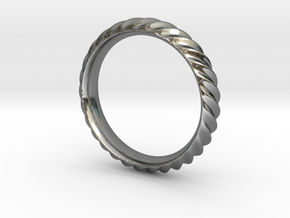 Cresta Nº3 Ring - Size 6 in Fine Detail Polished Silver