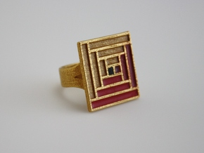 Log Cabin Ring - US Size 07 in Polished Gold Steel