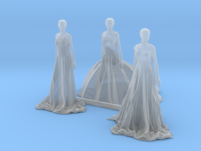 O Scale Long Dress Females in Smooth Fine Detail Plastic