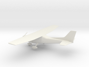 Cessna 172 Skyhawk in White Natural Versatile Plastic: 1:72