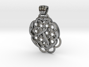 Chain Mail Pendant T in Polished Silver