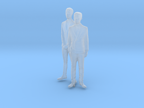 1/87 Two Men in Suit in Smooth Fine Detail Plastic