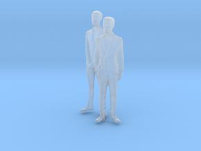 1/64 Two Spectators Men in Suit in Smooth Fine Detail Plastic