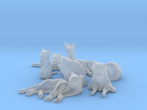 1/24 Seven Cats in Different Poses in Smooth Fine Detail Plastic