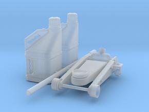 floorjack & 2x fuel jugs 1/25 in Smooth Fine Detail Plastic
