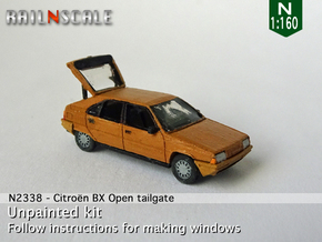 Citroën BX with open tailgate (N 1:160) in Smooth Fine Detail Plastic