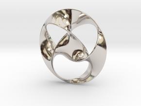 Trefoil pendant (4cm) in Platinum