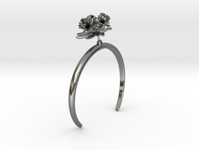 Choisya bracelet with three small flowers in Polished Silver: Medium