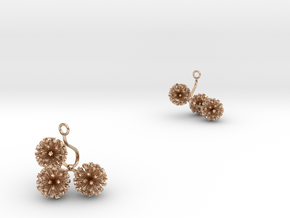 Garlic earring with three small flowers in 14k Rose Gold Plated Brass