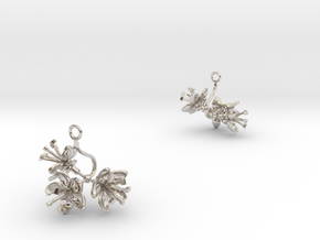 Apple earring with three small flowers in Rhodium Plated Brass