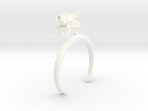 Daffodil bracelet with one large flower in White Processed Versatile Plastic: Medium