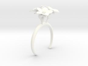 Melon bracelet with three large flowers in White Processed Versatile Plastic: Medium