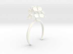 Radish bracelet with four large flowers in White Processed Versatile Plastic: Medium