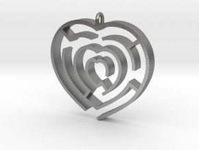 Heart maze pendant in Natural Silver