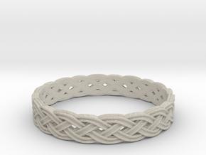 Hieno Delicate Celtic Knot Size 6 in Natural Sandstone