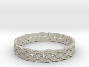 Hieno Delicate Celtic Knot Size 9 in Natural Sandstone