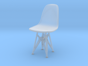 1-25 Eames DSR Chair in Smooth Fine Detail Plastic