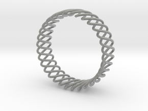 Spring Bracelet in Metallic Plastic