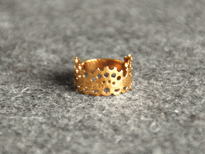 Modern Lace Ring in Polished Brass