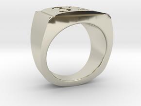 32 Ring in 14k White Gold