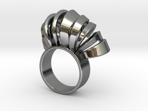 Nasu Ring Size 7 in Fine Detail Polished Silver