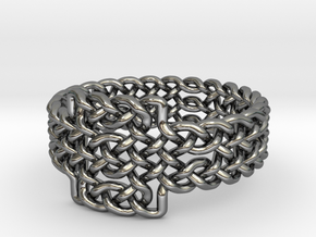 Celtic Knots Ring 17 in Fine Detail Polished Silver