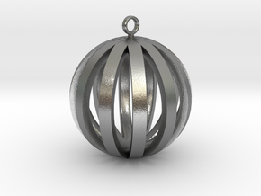 Round Pendant in Natural Silver