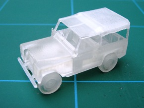 1:87 Land Rover in Smooth Fine Detail Plastic