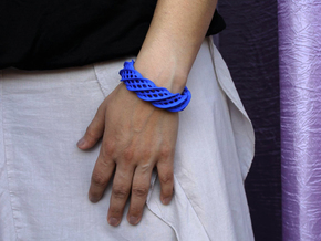 Twist Cuff (Size M)  in Blue Processed Versatile Plastic