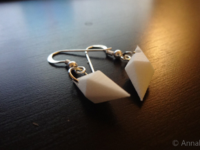 Plumbob earrings in White Natural Versatile Plastic