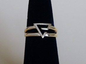 Aard-Quen Ring  in 14k Gold Plated