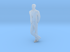 Man Leaning 16th in Smooth Fine Detail Plastic
