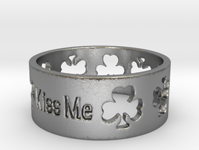 kiss me irish ring Ring Size 7 in Natural Silver