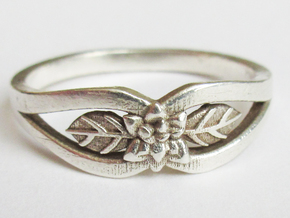 Silver Flower Ring in Polished Silver