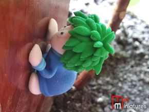 Lemming Climber (Large and in Color) in Full Color Sandstone