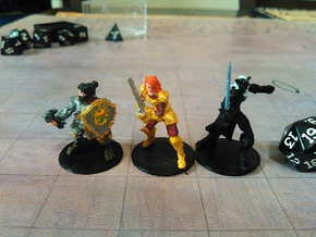 Lady Dwarf Cleric in White Natural Versatile Plastic