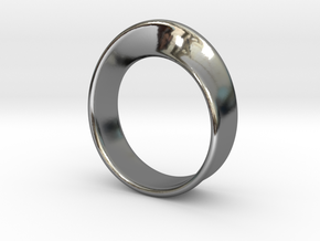 Moebius Ring 17.5 in Fine Detail Polished Silver