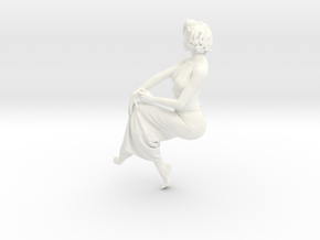 Lady sitting-025 scale 1/24 Passed in White Processed Versatile Plastic
