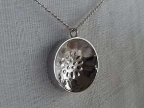 "Low Tenor ""damntingself"" steelpan pendant, M in Polished Silver"