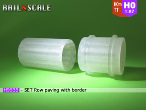 SET Row paving with border (H0m) in Smooth Fine Detail Plastic