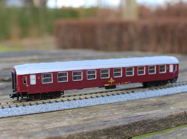 DSB class B coach N scale in Frosted Ultra Detail