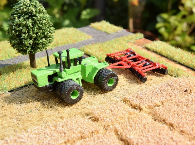 1:160/N-Scale Steiger Panther + Disc Harrow in Smooth Fine Detail Plastic