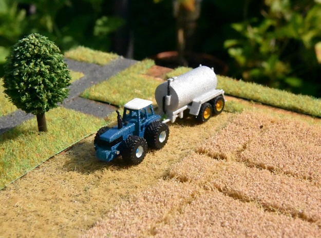 1:160/N-Scale Slurry Spreader in Frosted Ultra Detail