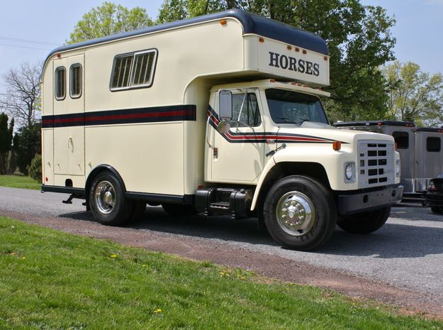 HO 1/87 Horsebox 1987 Imperatore 3-4  in Smooth Fine Detail Plastic