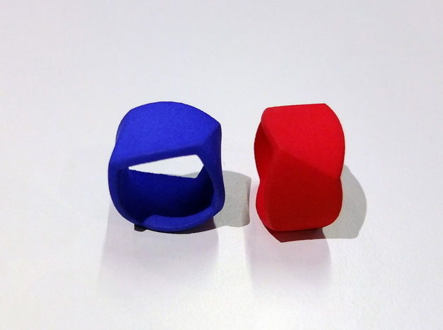 Twisted Ring Size 58 in Blue Processed Versatile Plastic