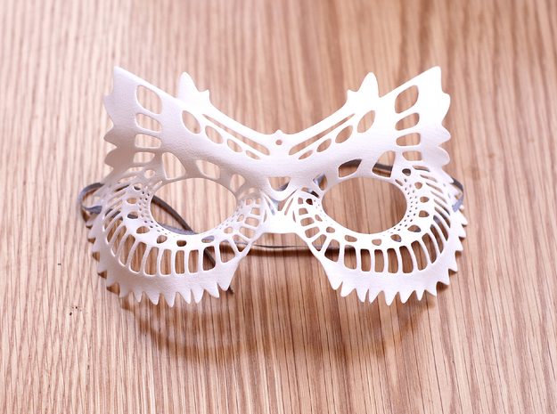 Mask in White Natural Versatile Plastic