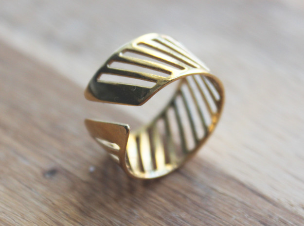 Shutter Ring - Size 8 in Polished Brass