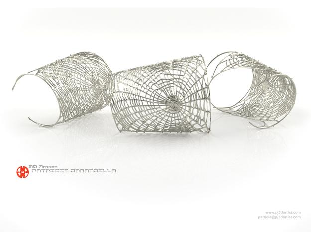 Bracelet Spider's web - Detailed lightweight in Polished Silver