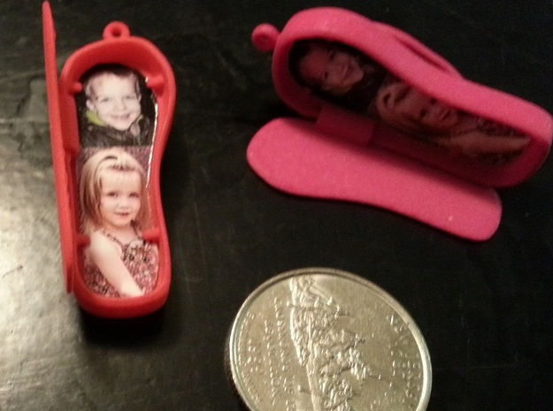 Flip Flop Locket Pendant 3d printed With pictures, held in by small tabs